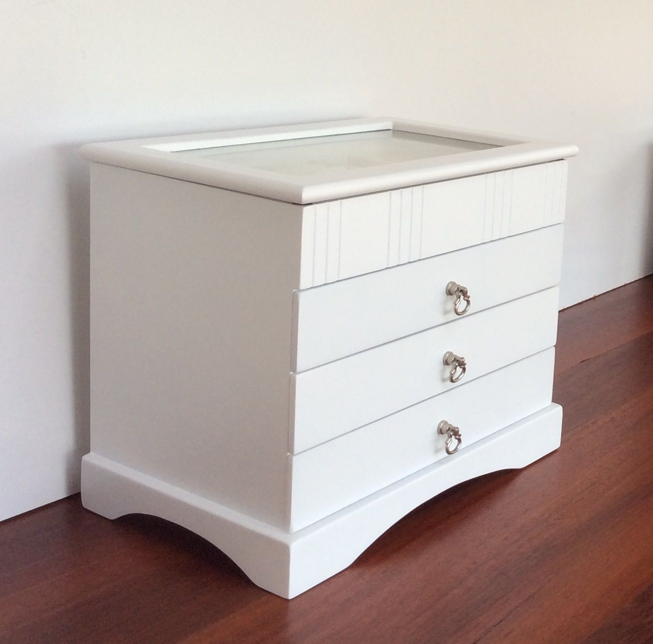 large white wooden jewellery box with glass top. Black Bedroom Furniture Sets. Home Design Ideas